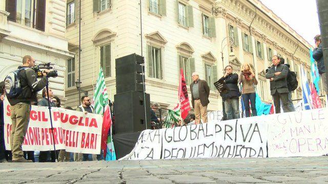 Opera singers protest