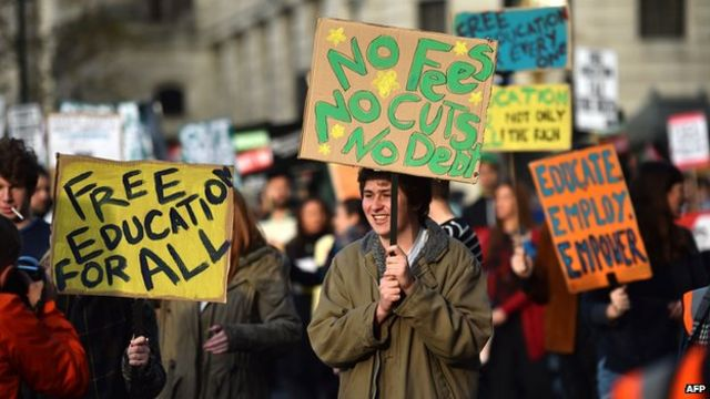 London student demonstration sees arrests and scuffles