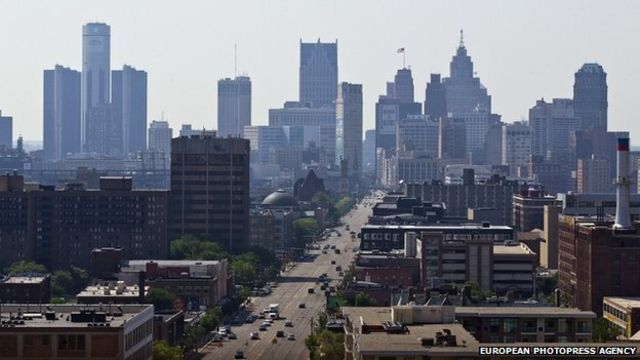 Widespread power outage hits Detroit