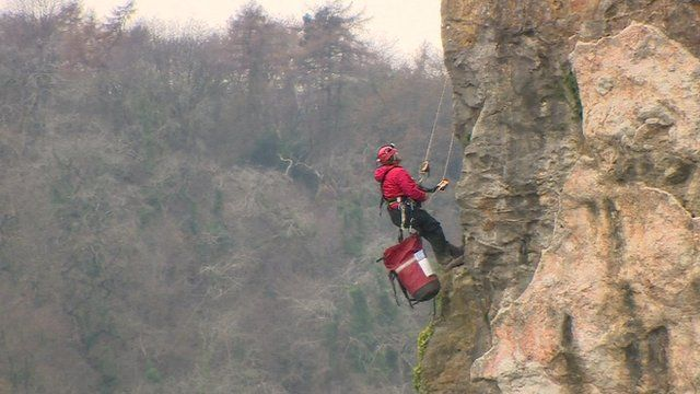Man abseiling down Avon Gorge in search for missing baby