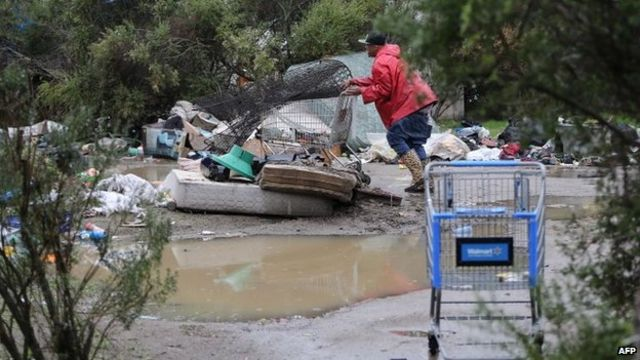 California police clear 'largest US homeless camp'