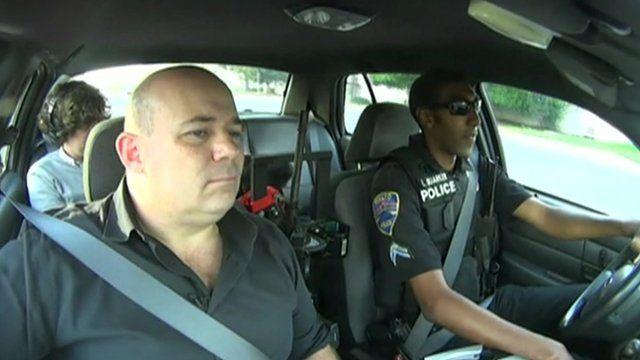 Police body cameras: Positive change in Rialto, California - BBC News