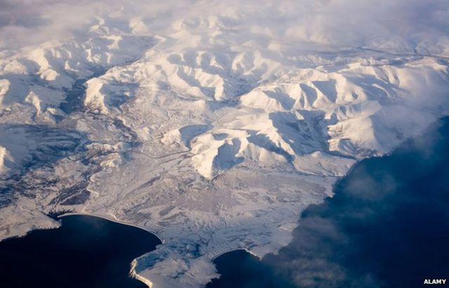 Denmark challenges Russia and Canada over North Pole
