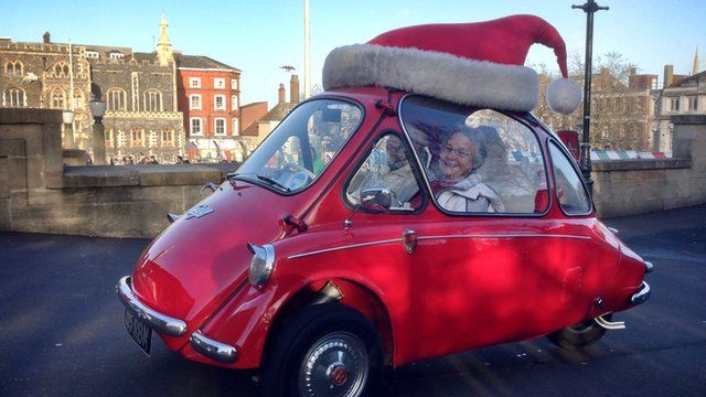 Norwich Santa bubble car