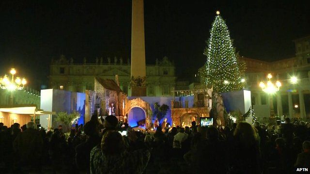Vatican Christmas tree lights