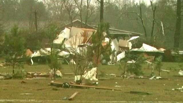 Building wrecked by tornado in Mississippi