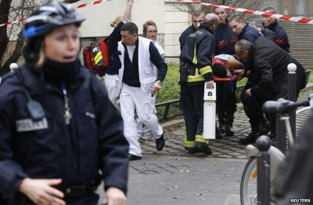 Charlie Hebdo: Major manhunt for Paris gunmen