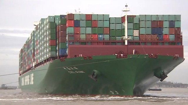 CSCL Globe arrives in Felixstowe