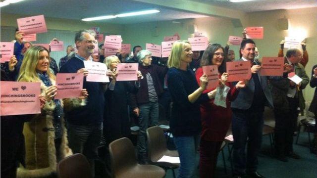 Hinchingbrooke Hospital: Campaigners call for NHS control