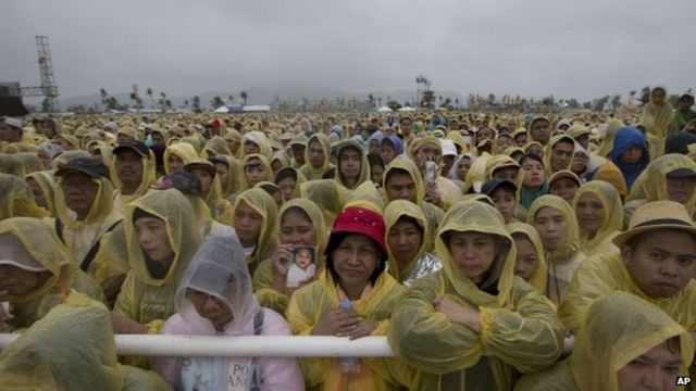 Pope Francis cuts short visit to typhoon-hit Tacloban