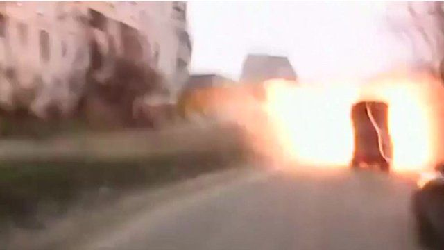 Shell exploded in street in Mariupol