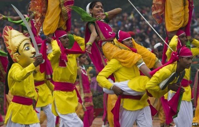 Obama in India joins Modi at Delhi Republic Day parade