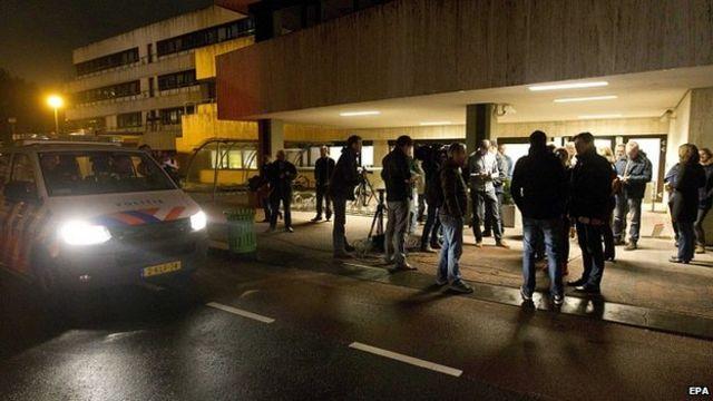 Man with fake gun disrupts Dutch broadcaster NOS