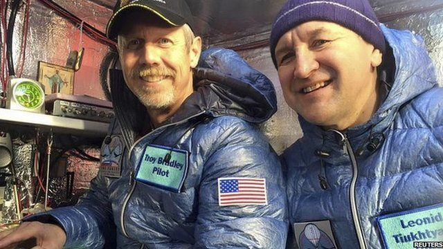 Pilots Troy Bradley and Leonid Tiukhtyaev in the capsule of the Two Eagles balloon. 25 Jan 2015