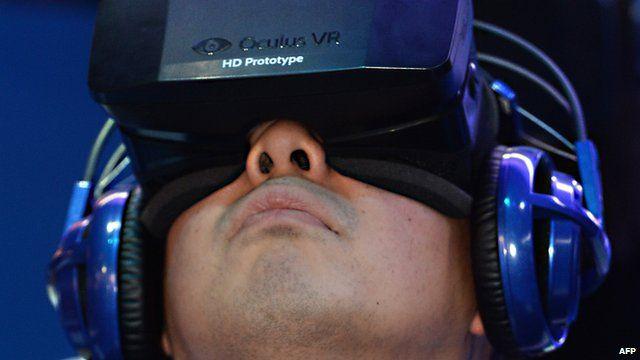 A man uses Oculus Rift