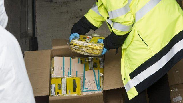 Customs officials seize counterfeit tobacco