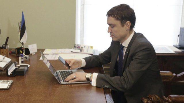 Estonian prime minister voting online