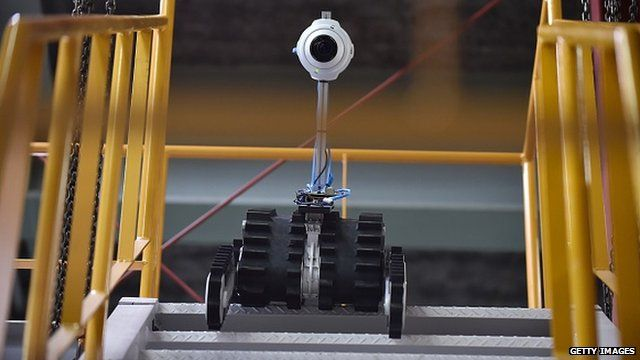 Robot descends stairs but will this type of technology take over our jobs?