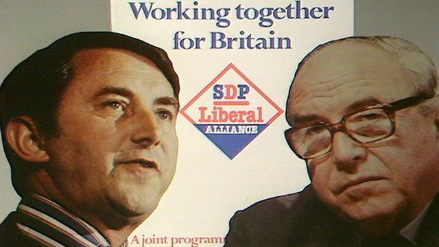David Steel and Roy Jenkins in front of a copy of the SDP-Liberal Alliance manifesto for the 1983 general election