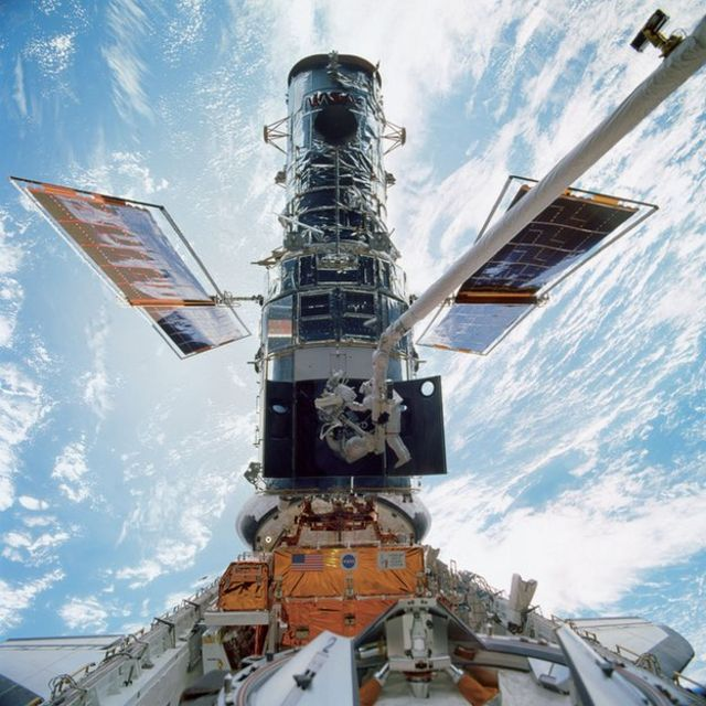 Hubble sets 'new cosmic distance record'