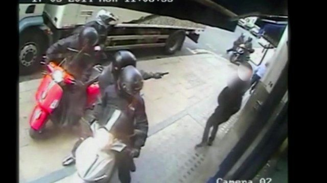 Footage shows robbery suspect on a moped