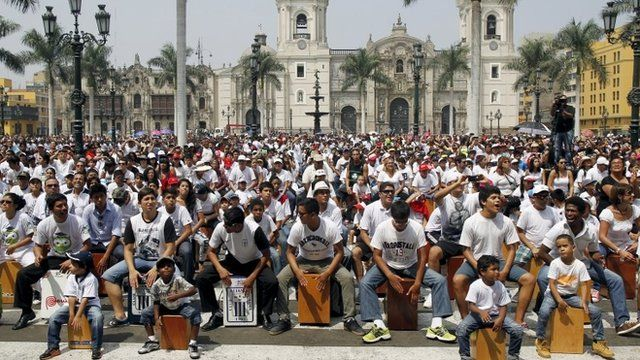 People playing their cajones