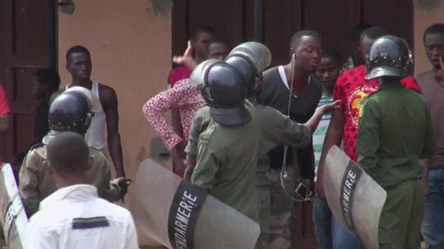 Police and demonstrators in Conakry, Guinea