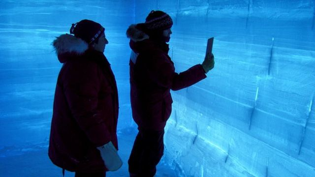 Ice cores show 200-year climate lag