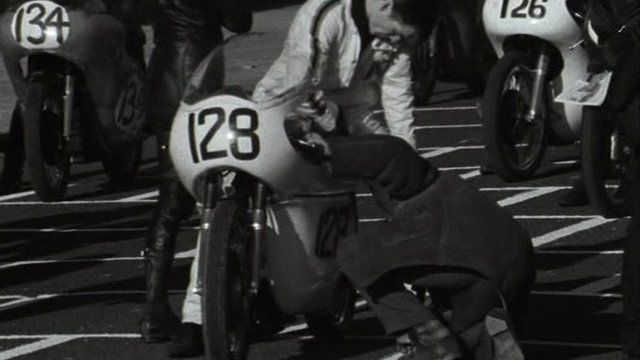 A Scene around Six report on the practice sessions ahead of the 1968 North West 200.