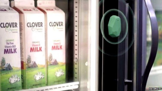 Supermarket LED lights talk to smartphone app