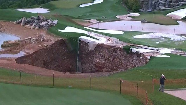 Huge sinkhole appears at Missouri golf course