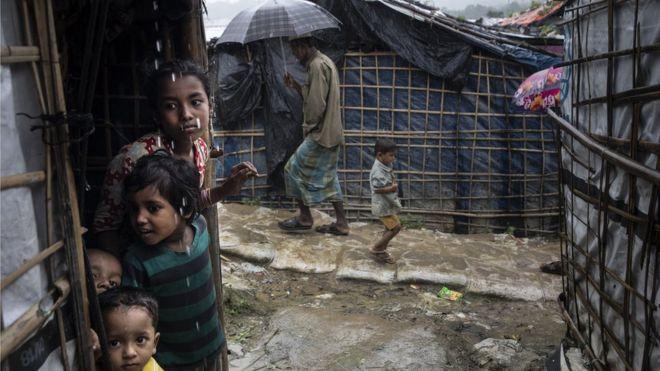 在孟加拉難民營中的羅興亞人。