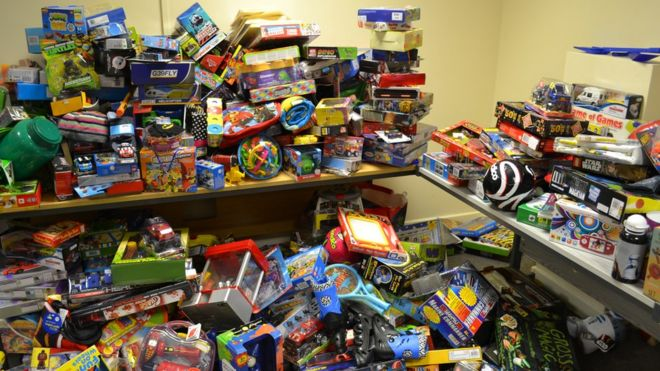 Christmas Toys.Charity Provides Christmas Toys For 500 Pembrokeshire