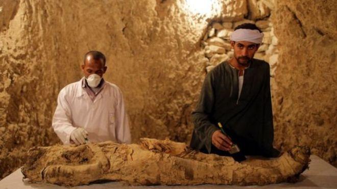 การทำมัมมี่เพื่อรักษาศพคนตายในอียิปต์มีมานานกว่าที่เคยคาดกันไว้กว่าหนึ่งพันปี