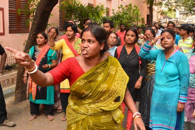 Hindistan 4 Yaşındaki Kız çocuğu Yoğun Bakımdayken Toplu Tecavüze
