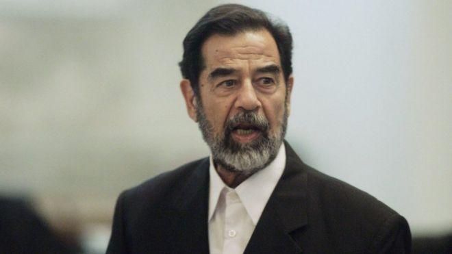 ظهور مفاجئ للوحة تذكارية عن صدام حسين شرقي لندن