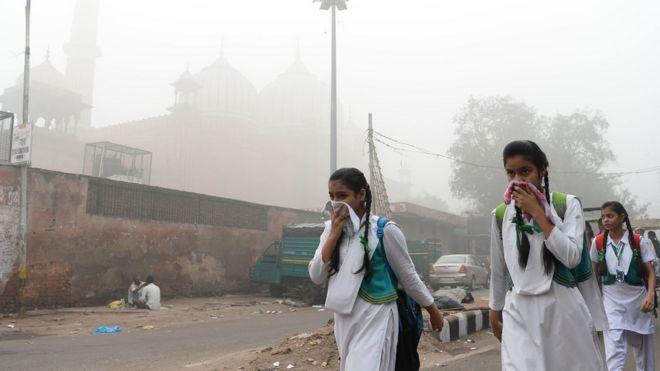 Школьницы в Индии