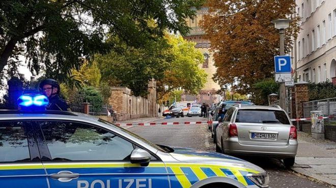 В результате стрельбы в немецком Галле погибли два человека
