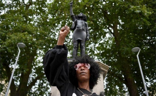 Jen Reid and her statue