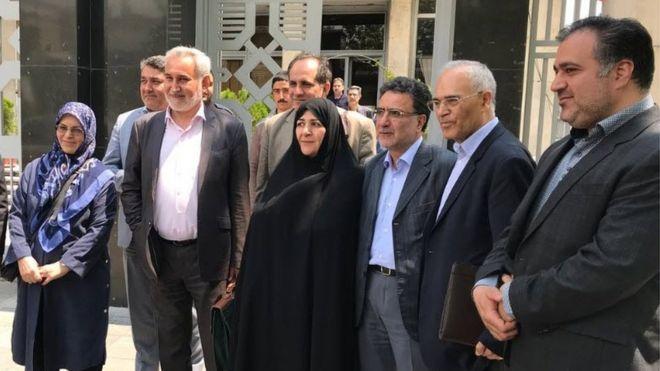 شماری از اصلاحطلبان مقامهای ایران را به 'پرهیز از دام جنگسالاران آمریکایی و اسرائیلی' فراخواندند