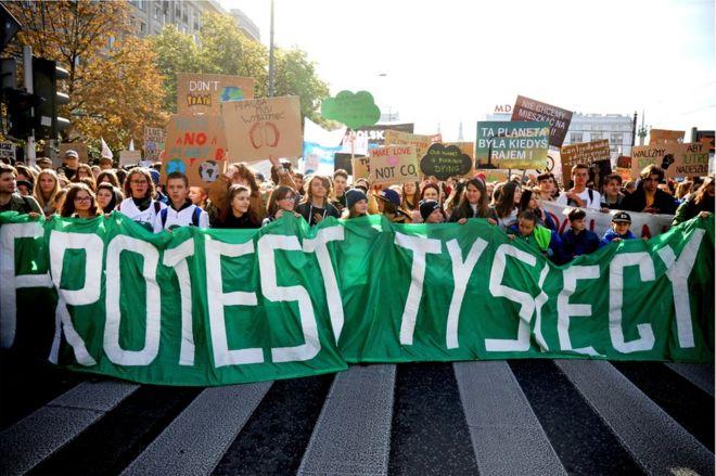 Manifestantes en Polonia.
