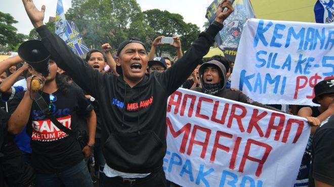 Kasus pengaturan skor sepak bola Indonesia   Penjudi menyogok dari ... d716eb60dc1c2