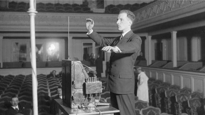 Leon Theremin en Nueva York en 1928.