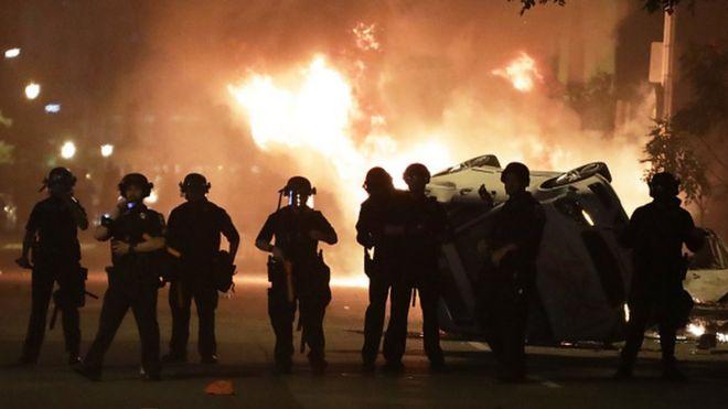 Трамп спускался в бункер. В США продолжаются протесты и погромы
