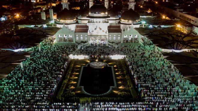 مسجد بيت الرحمن في باندا آتشيه، مقاطعة آتشيه، إندونيسيا