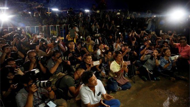 泰國和國際救援團隊的工作危險又複雜,一些細節被逐步披露出來