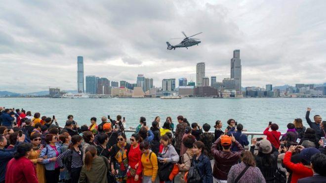 苏奇在内地长大,到香港两三次,只接触过旺角、尖沙咀等商业区