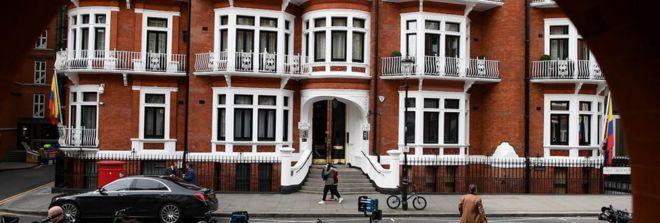 سفارت اکوادور و محل اقامت آسانژ
