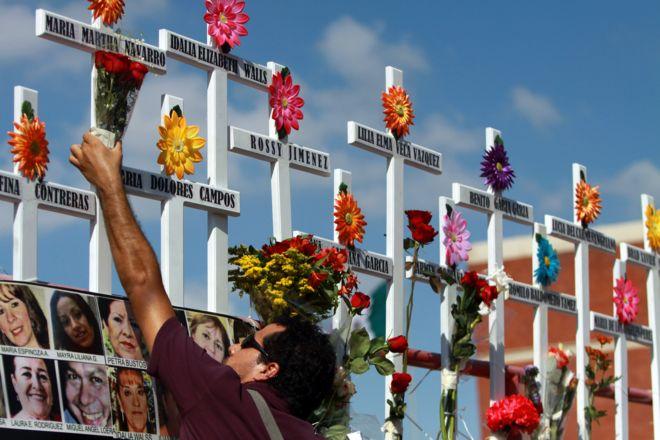Homenaje a asesinadas en México