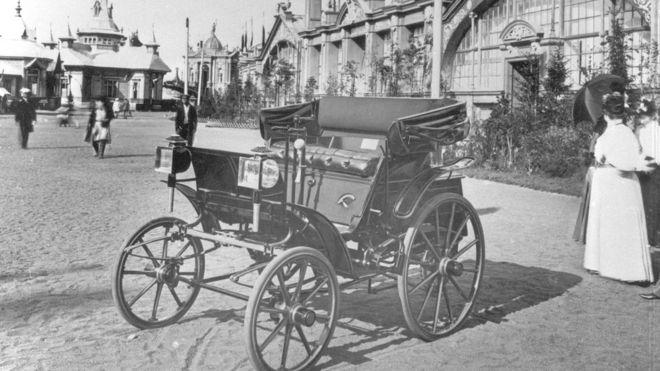 Первый российский автомобиль Фрезе-Яковлева на Еижегородской промышленной  выставке (1896 год) 9f88fe4c5b1